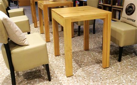 咖啡店桌椅