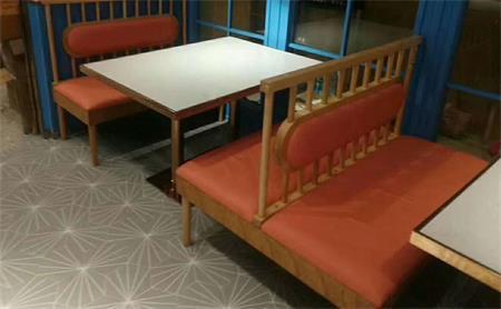 西餐厅大理石桌子