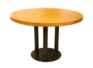 西餐厅实木桌子