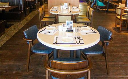 美式西餐厅桌椅