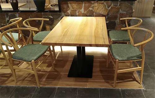 餐厅实木桌椅