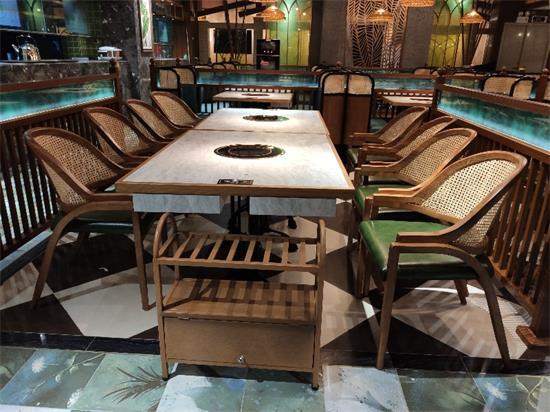 海南椰子鸡四季椰林火锅桌椅
