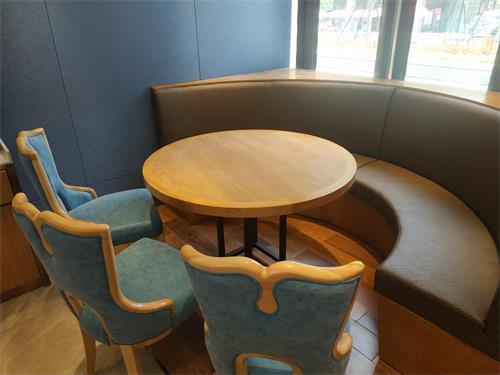 清真西北菜中发源餐厅桌椅