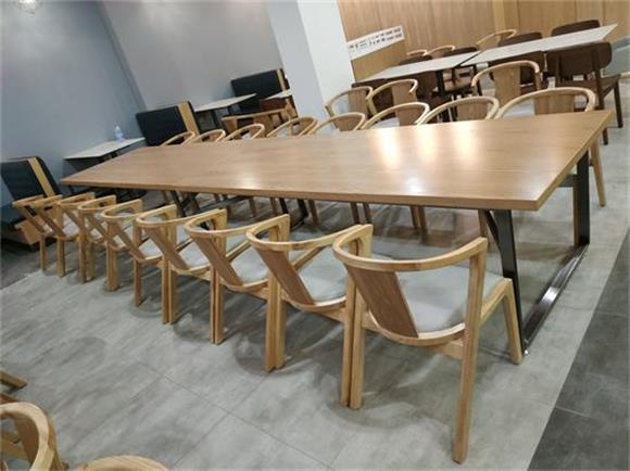 食堂实木桌椅