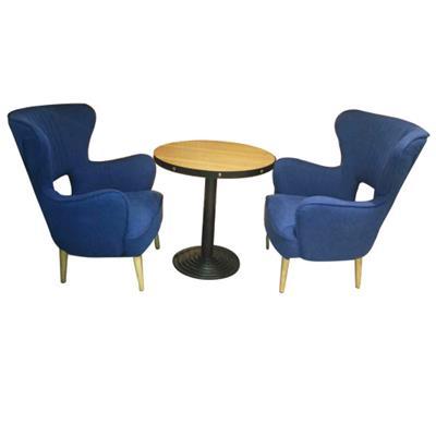 北欧现代简约咖啡厅实木餐桌