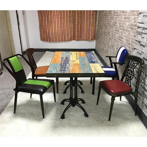 湘菜馆川菜馆酒楼饭店复古工业风实木餐桌