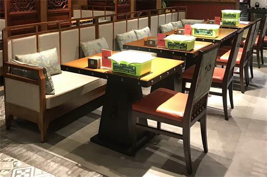 中餐厅全实木桌椅定做酒楼湘菜馆高档实木卡座沙发实木方桌