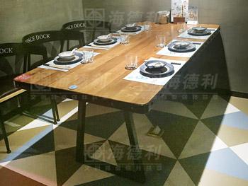 2017新款实木主题餐厅餐桌_复古铁艺工业风主题餐厅桌椅