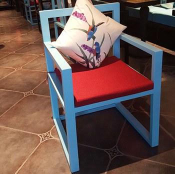 主题餐厅桌子_主题餐厅实木餐椅子-海德利主题餐厅家具