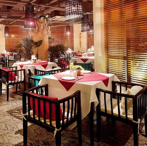 主题餐厅实木餐桌椅组合_主题餐厅单间桌椅-厂家定制直销